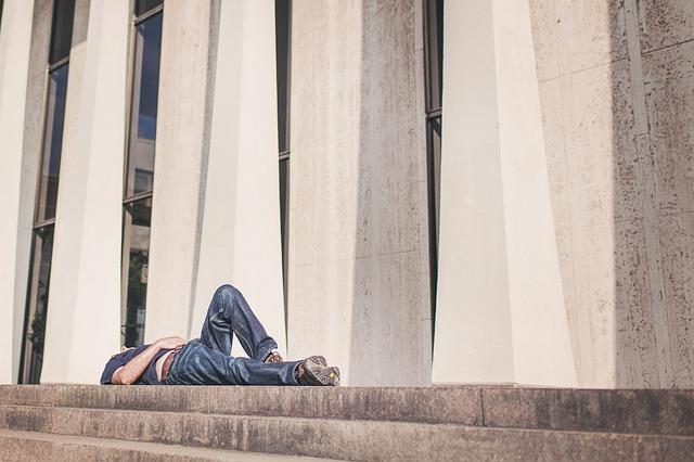 odpočinek na schodech.jpg